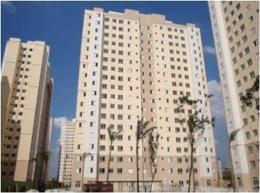 Apartamento 56, 5ºandar ao lado do Shopping Internacional na Av. Guarulhos, 2 dorms pronto.