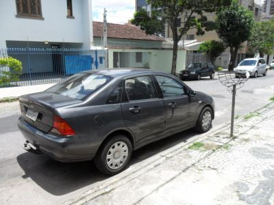 FORD FOCUS SEDAN AUTOMÁTICO 2003