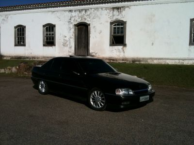 VENDO OMEGA CD 4.1 MANUAL ANO 95 PRETO - TOP DE LINHA C/ POWER TECH 17 - R$25.000!!!
