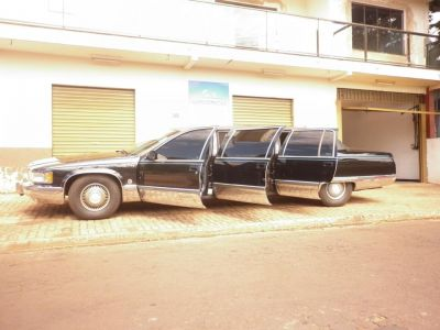 limousine cadillac fleetwood
