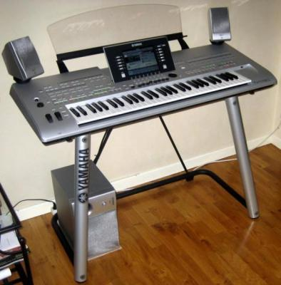 VENDO :  Yamaha Tyros 4 Arranger Workstation Brand New for sale
