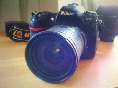 Para Venda: Apple iPhone 4G 32GB ...... ....... Nikon D90 Nikon D700 Nikon D3 ........